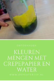 Nodig: crepepapier, water en glazen potjes met deksel