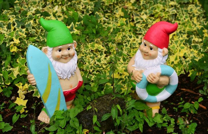 garden-gnomes-2614413_1920